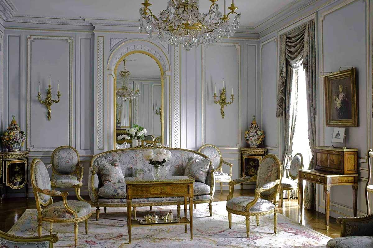 مبلمان کلاسیک فرانسوی